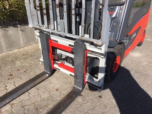 Linde-E30L -Elektro 4 Rad-Stapler-www.unruh-gabelstapler.de