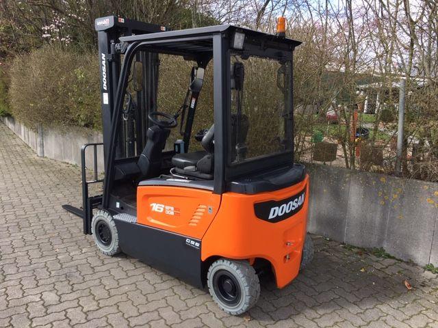 Doosan-B16X-7-Elektro 4 Rad-Stapler-www.unruh-gabelstapler.de