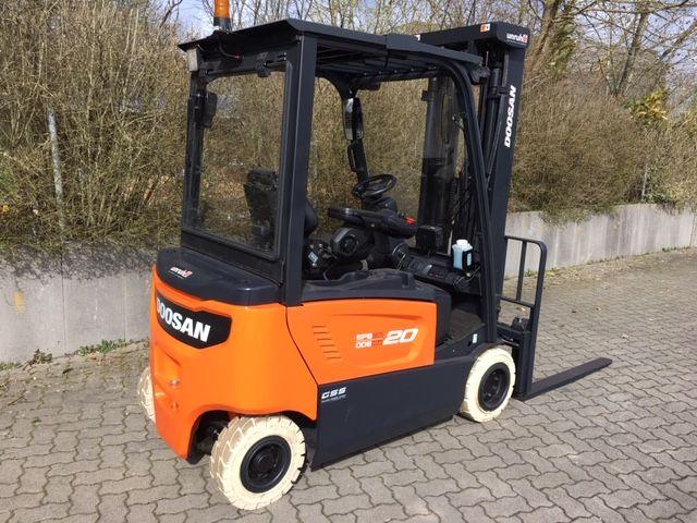 Doosan-B20X-7-Elektro 4 Rad-Stapler-www.unruh-gabelstapler.de