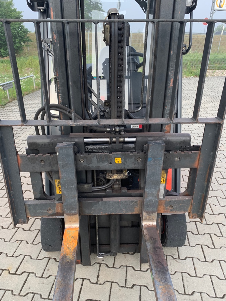 Linde- E 16 H-01 -Elektro 3 Rad-Stapler-www.watzinger-und-sohn.de