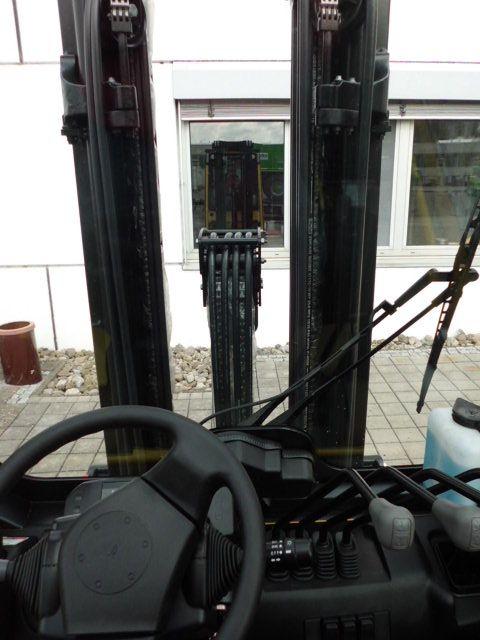Hyster-H3.0XT-Dieselstapler-www.wiegers-gabelstapler.de