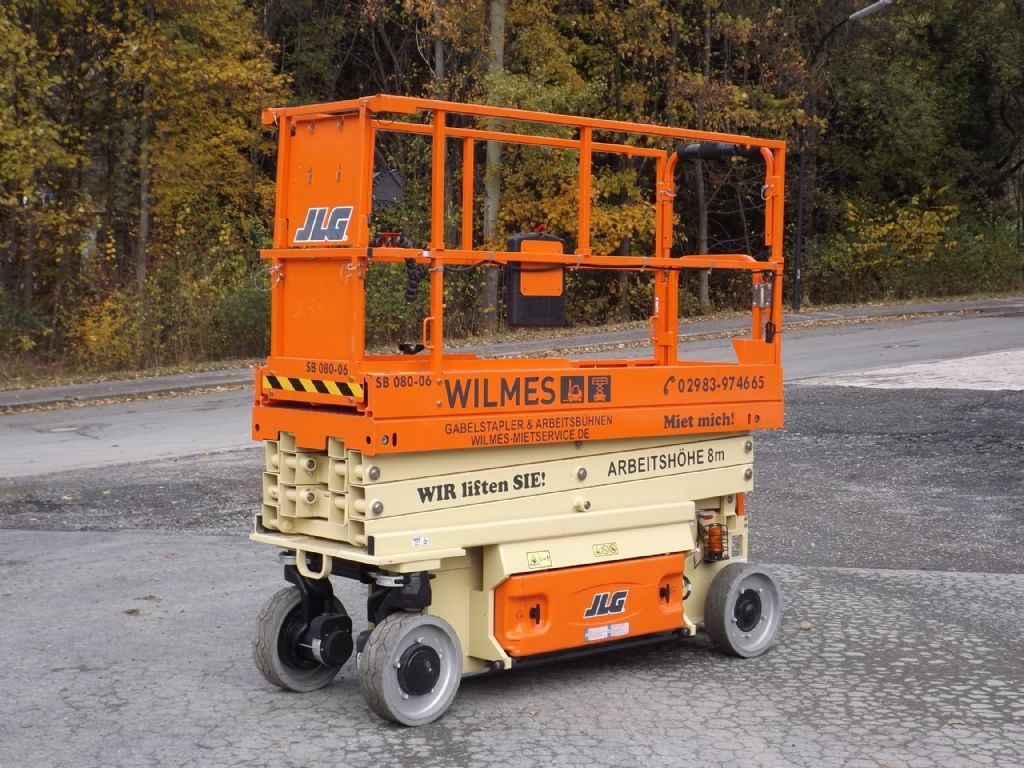JLG-2032ES-Scherenarbeitsbühne-www.wilmes-mietservice.de