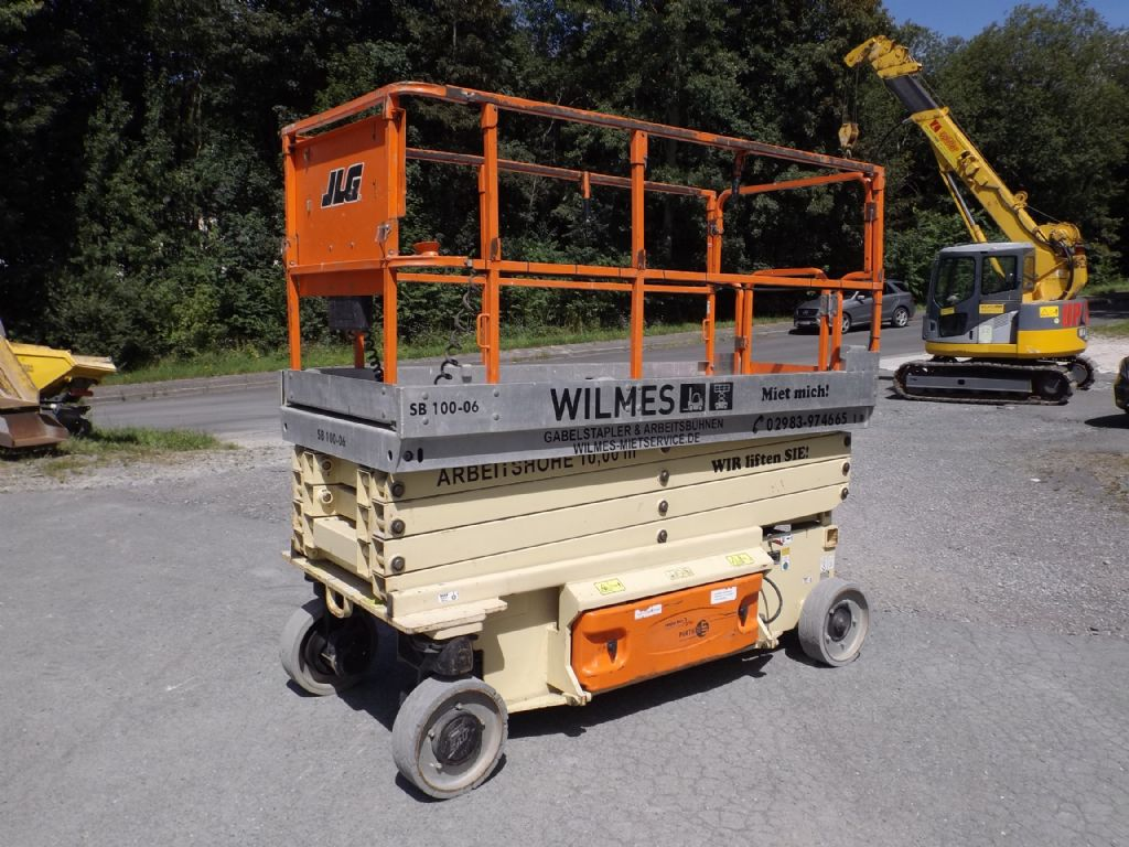 JLG-2646ES-Scherenarbeitsbühne-www.wilmes-mietservice.de