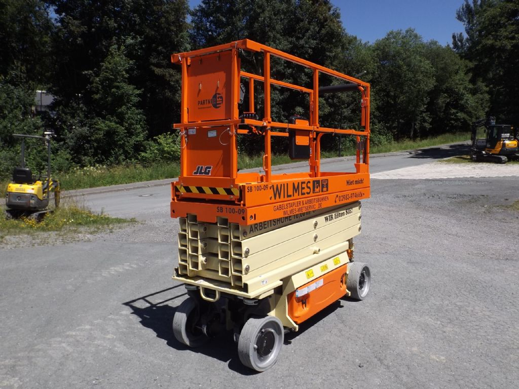 JLG-2632ES-Scherenarbeitsbühne-www.wilmes-mietservice.de