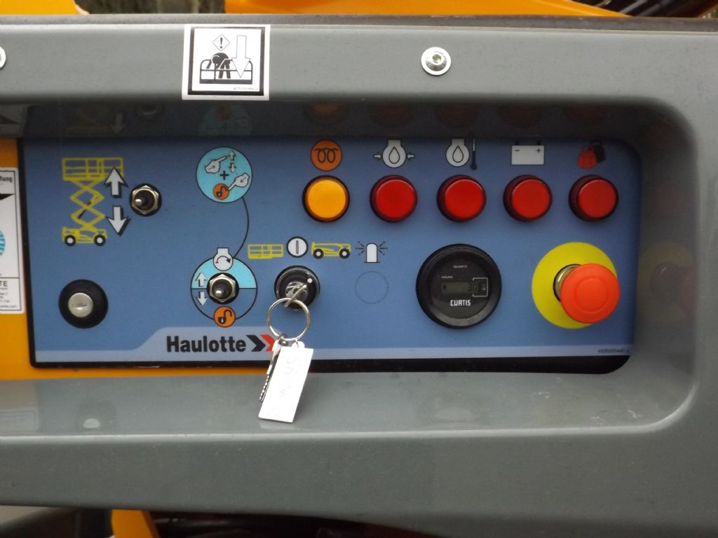 Haulotte-Compact 12DX-Scherenarbeitsbühne-www.wilmes-mietservice.de