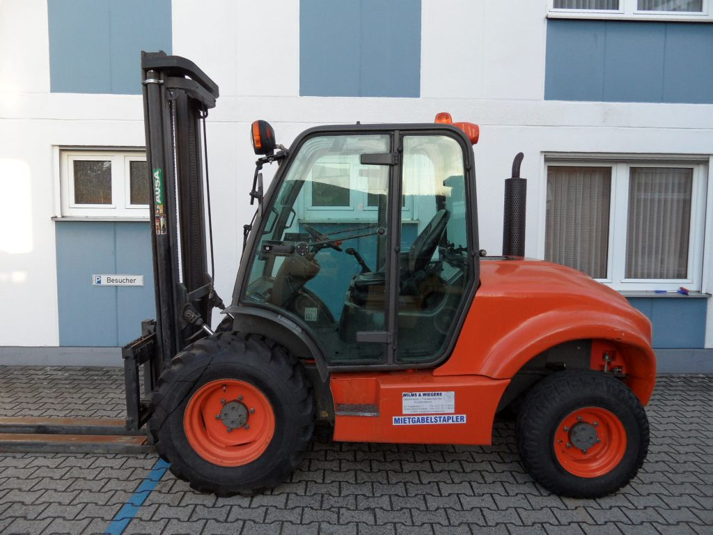Ausa-C 300 H-Geländestapler-www.wilms-wiegers.de