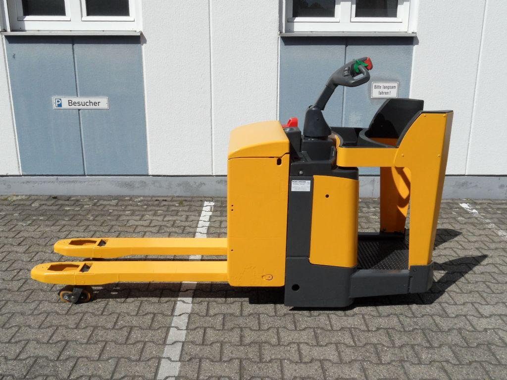 Jungheinrich-ERE 120 - feste Plattform-Niederhubwagen-www.wilms-wiegers.de