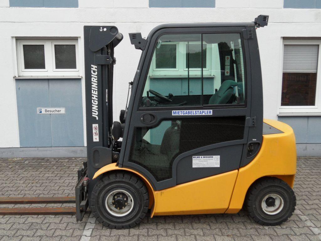Jungheinrich-DFG 425 - wenig Stunden-Triplex-Kabine-Dieselstapler-www.wilms-wiegers.de