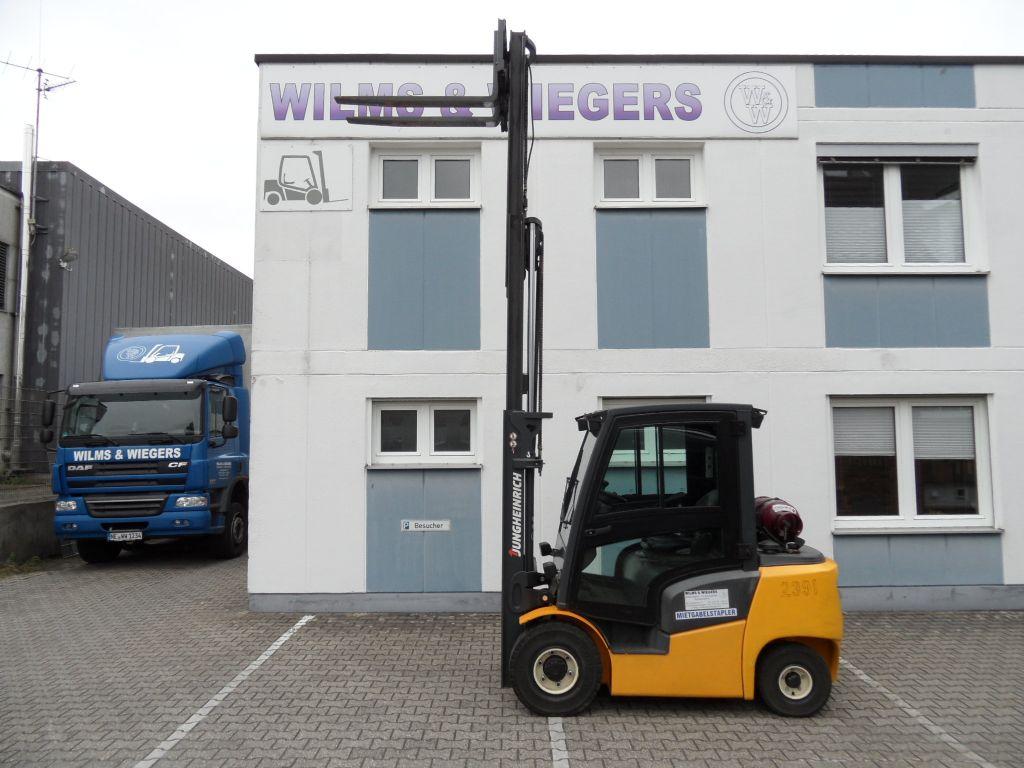 Jungheinrich-TFG 425 - Kabine - Triplex - 2015-Treibgasstapler-www.wilms-wiegers.de
