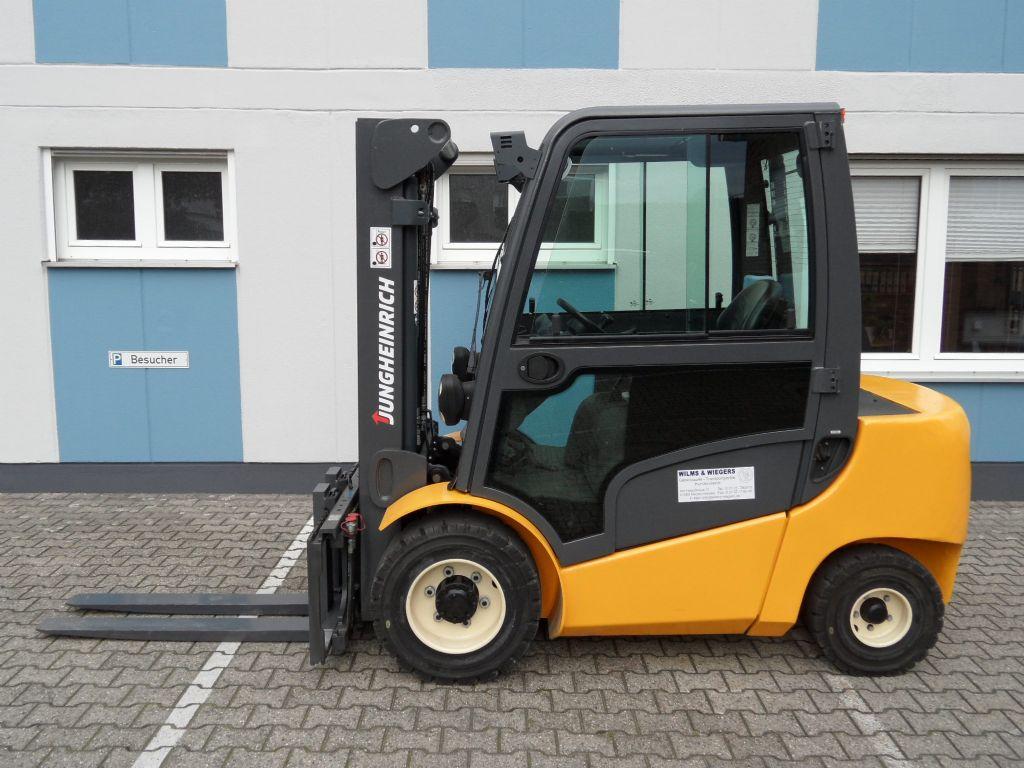 Jungheinrich-DFG 430 - Kabine - Triplex-Dieselstapler-www.wilms-wiegers.de