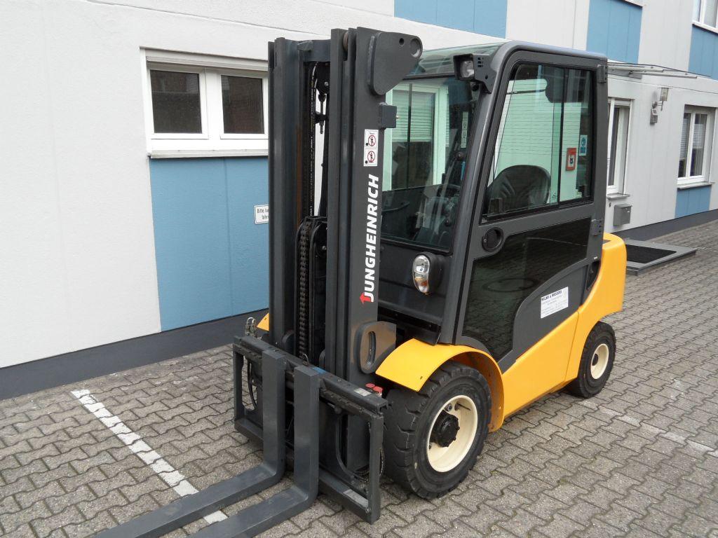 Jungheinrich-DFG 430 - Triplex - Kabine - ZH2-Dieselstapler-www.wilms-wiegers.de