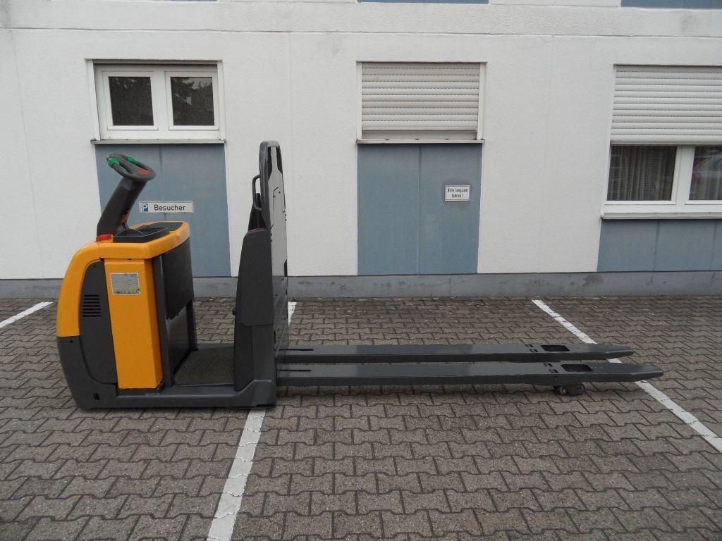 Jungheinrich-ECE 225 - 2,40 m Gabeln-Niederhubkommissionierer-www.wilms-wiegers.de