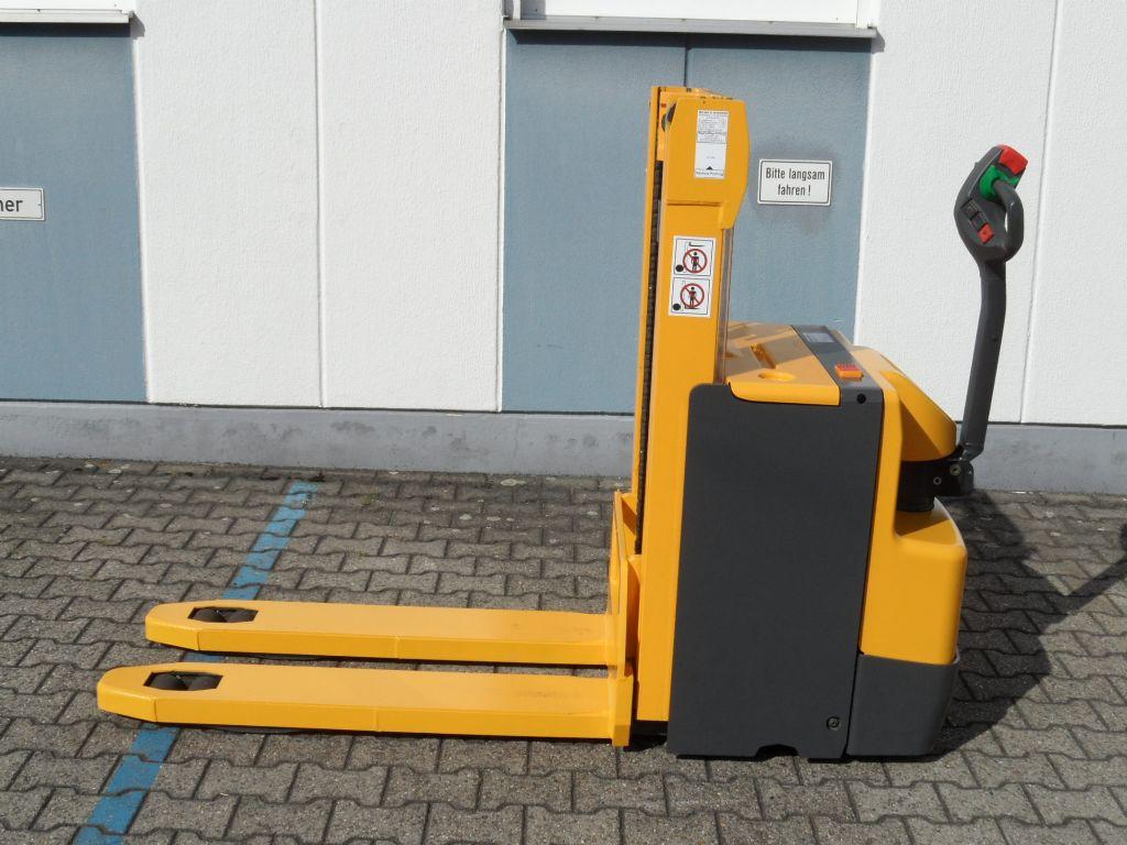 Jungheinrich-EJD 220 - Doppelstock-Deichselstapler-www.wilms-wiegers.de