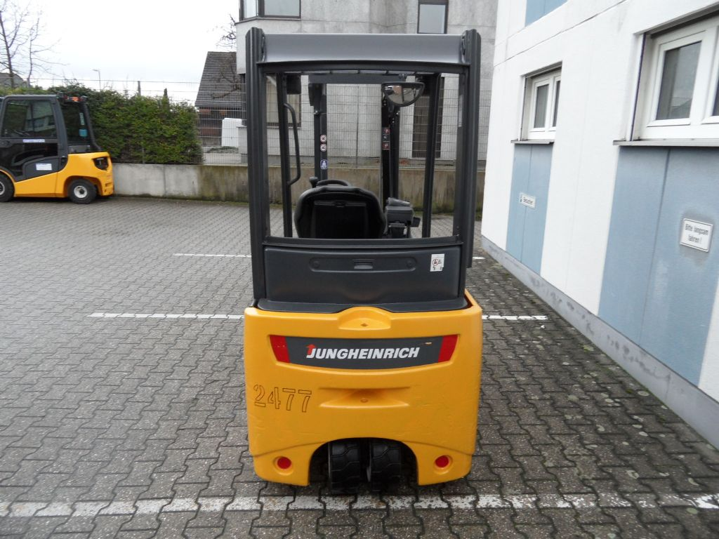 Jungheinrich-EFG 218 - TOP Batterie - Freihub!-Elektro 3 Rad-Stapler-www.wilms-wiegers.de