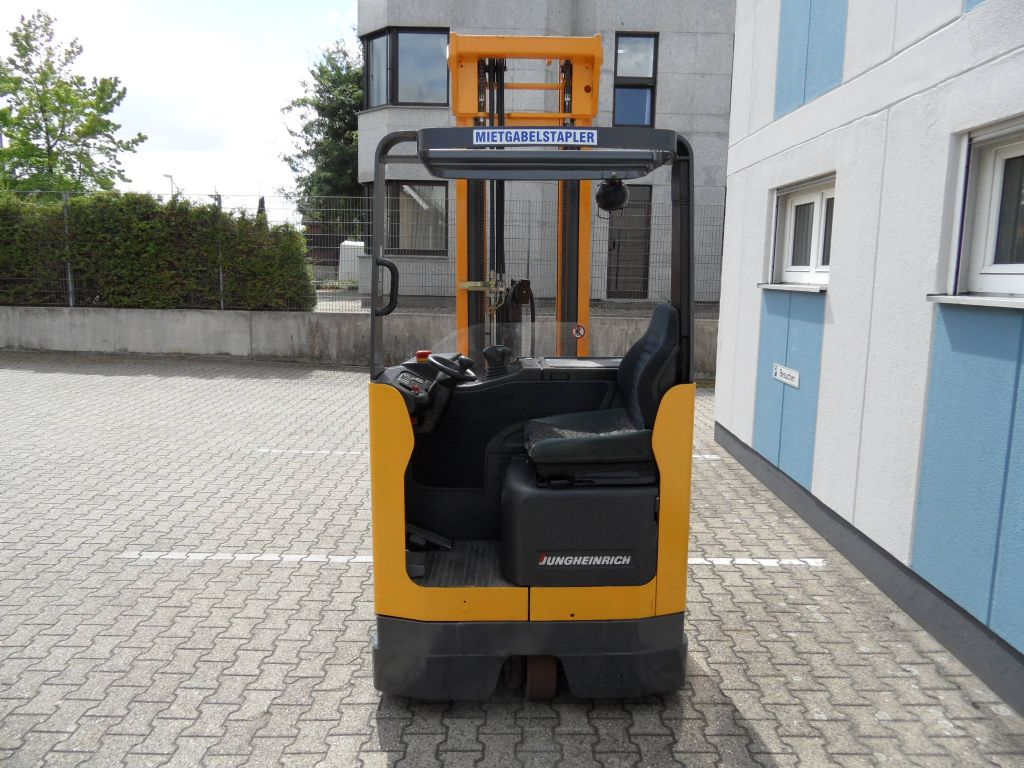 Jungheinrich-ETV 16 G - Triplex - Batterie BJ 2016-Schubmaststapler-www.wilms-wiegers.de