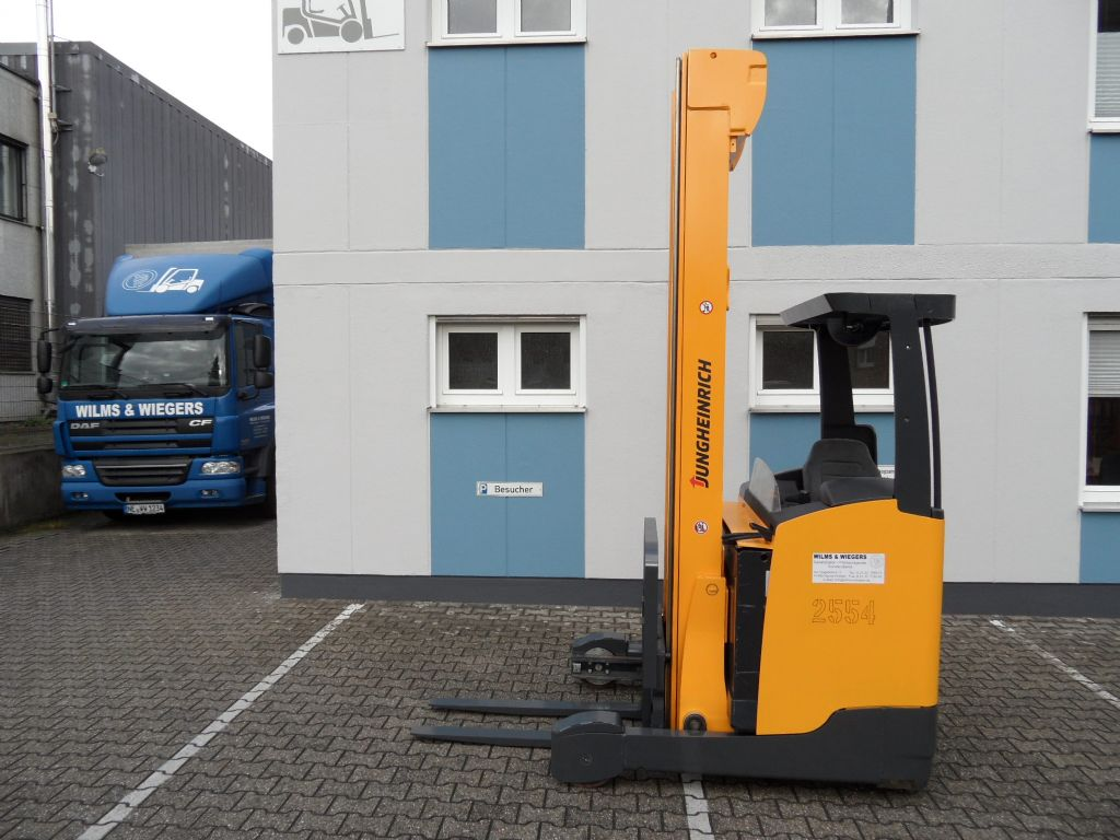 Jungheinrich-ETV 214 - 8,30 m Triplex - DriveLiftPlus Paket -Schubmaststapler-www.wilms-wiegers.de