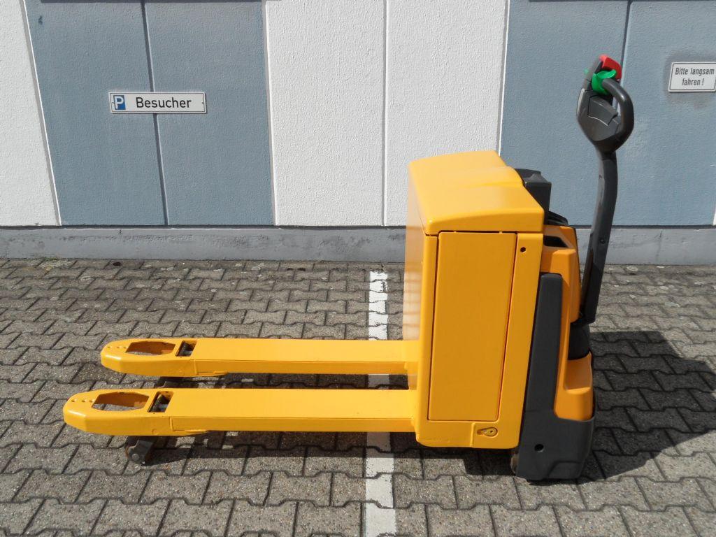 Jungheinrich-EJE 120 - TOP Batterie-Niederhubwagen-www.wilms-wiegers.de