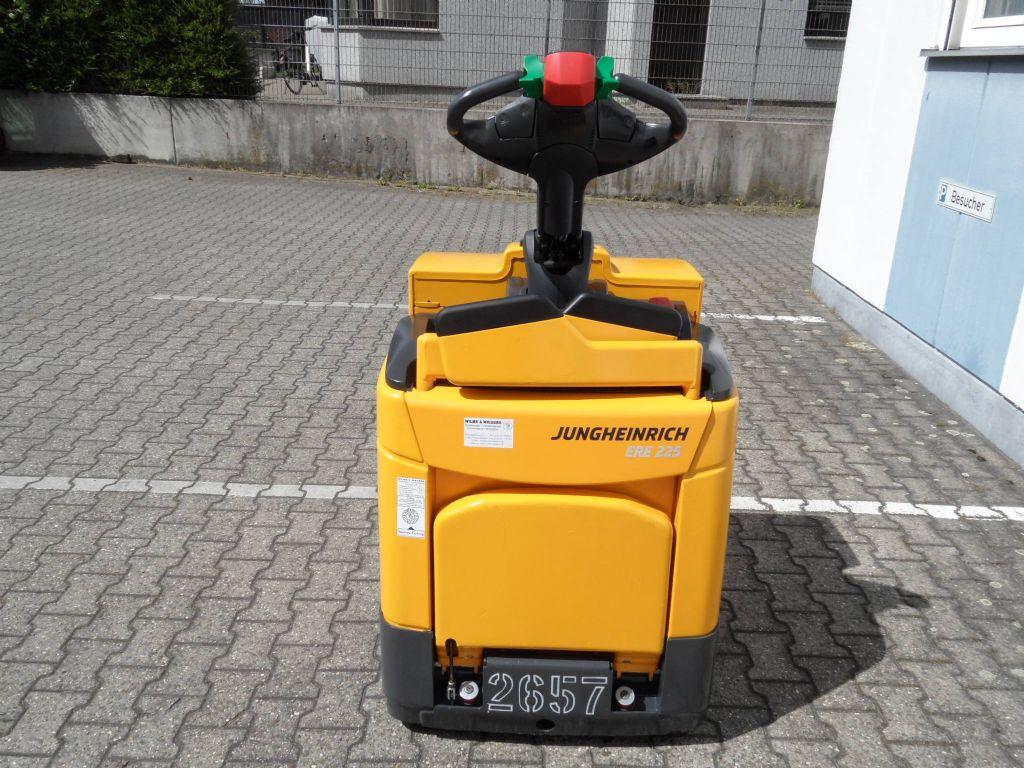 Jungheinrich-ERE 225 - klappbare Plattform-Niederhubwagen-www.wilms-wiegers.de