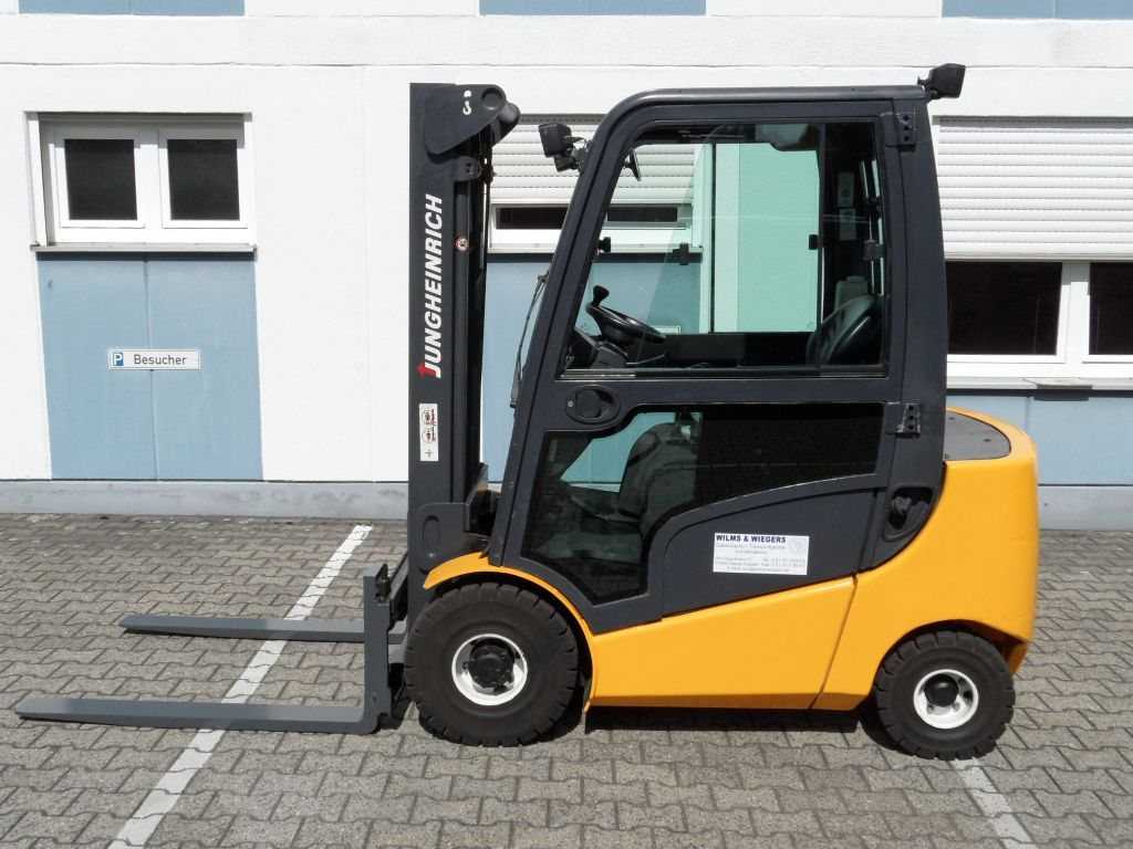 Jungheinrich-DFG 320 - Kabine-Dieselstapler-www.wilms-wiegers.de