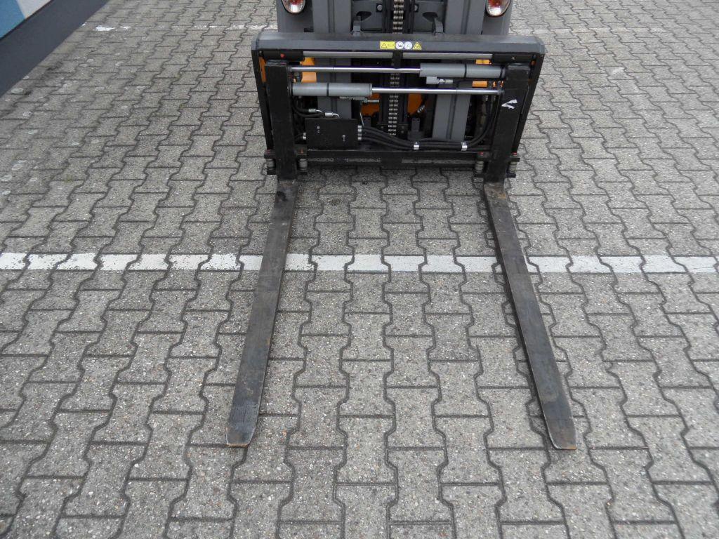 Jungheinrich-EFG 216 - ZV-Gerät - Triplex - weiße Reifen-Elektro 3 Rad-Stapler-www.wilms-wiegers.de
