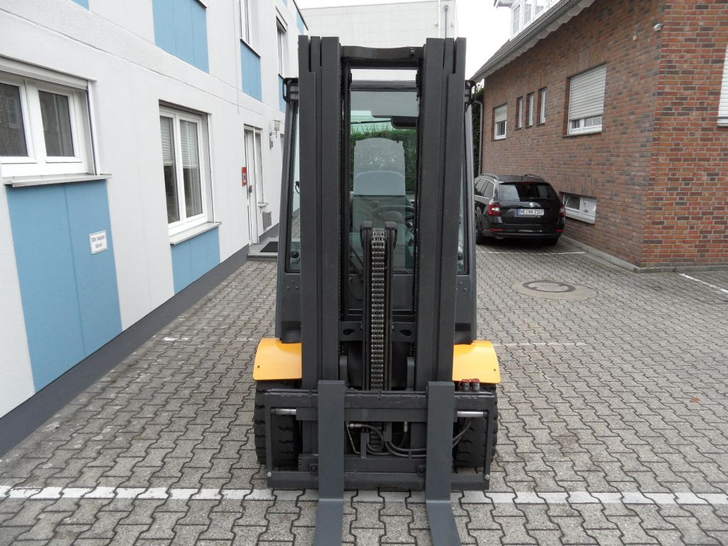 Jungheinrich-TFG 435s - Triplex - 4. Funktion-Treibgasstapler-www.wilms-wiegers.de