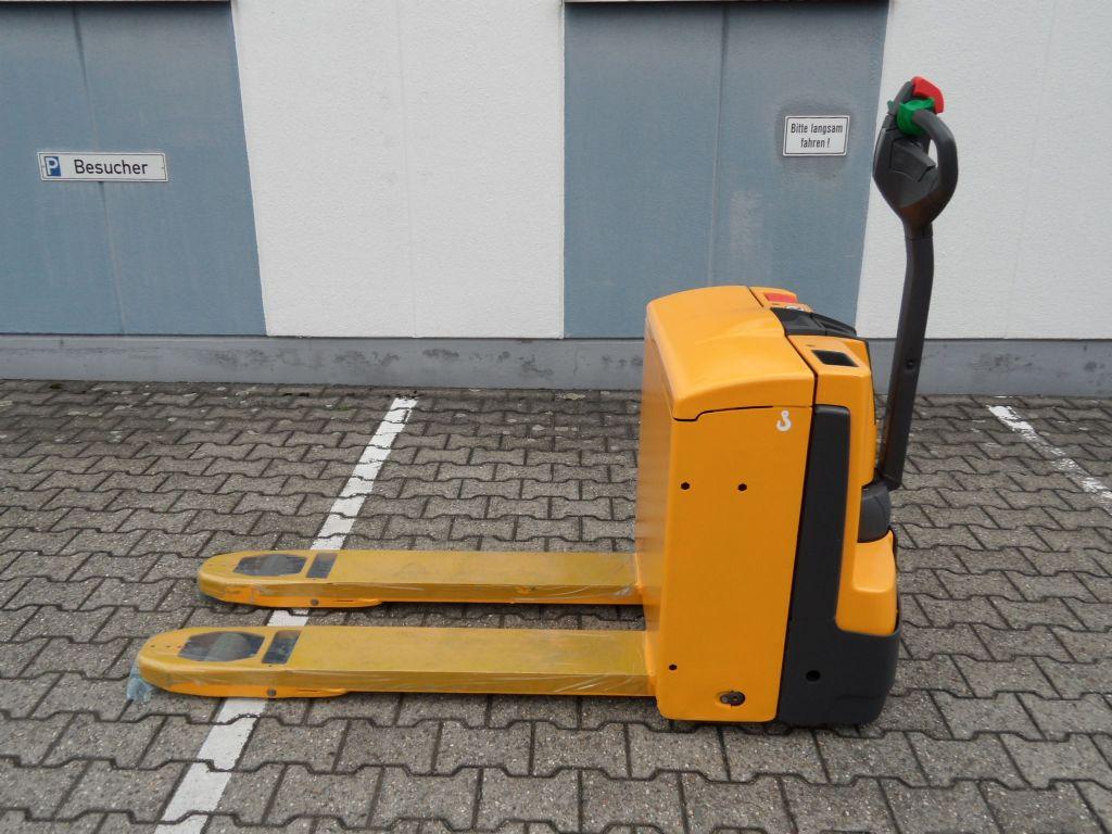 Jungheinrich-EJE 118 - neue Batterie - TOP-Niederhubwagen-www.wilms-wiegers.de