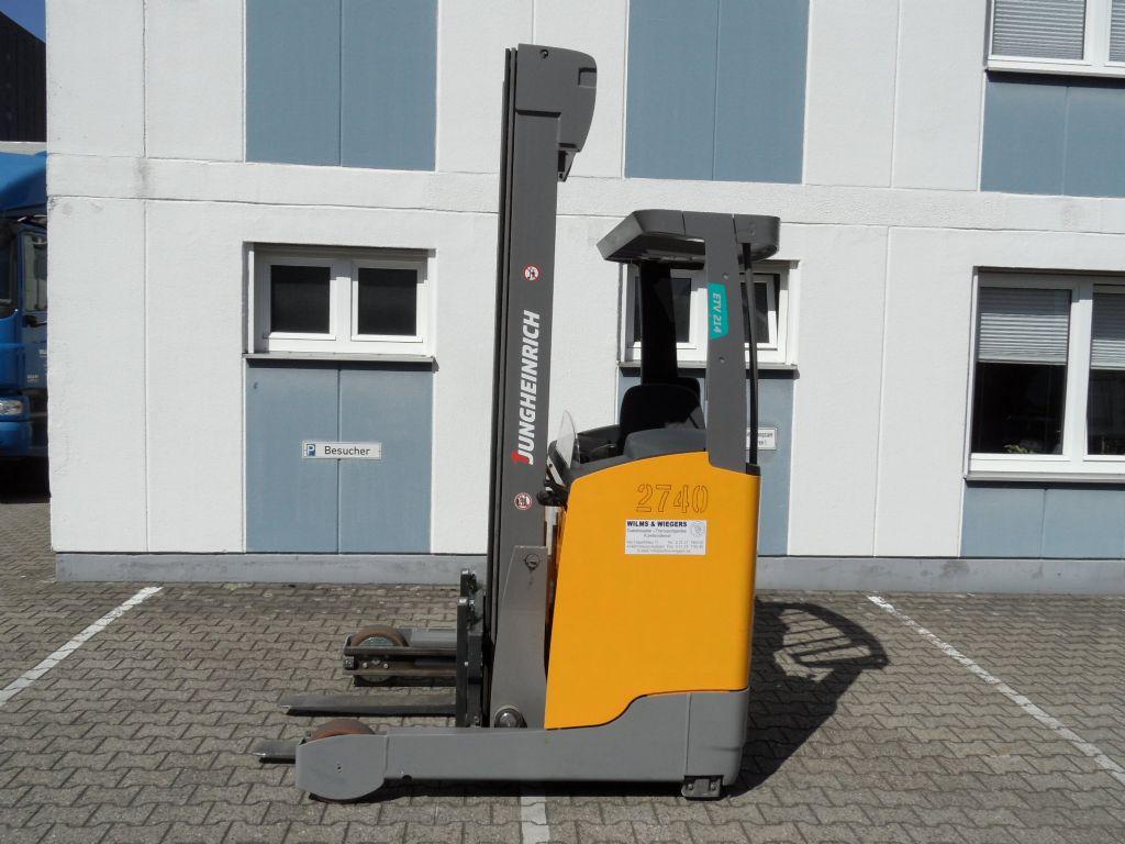 Jungheinrich-ETV 214 - 6800 mm Triplex-Schubmaststapler-www.wilms-wiegers.de