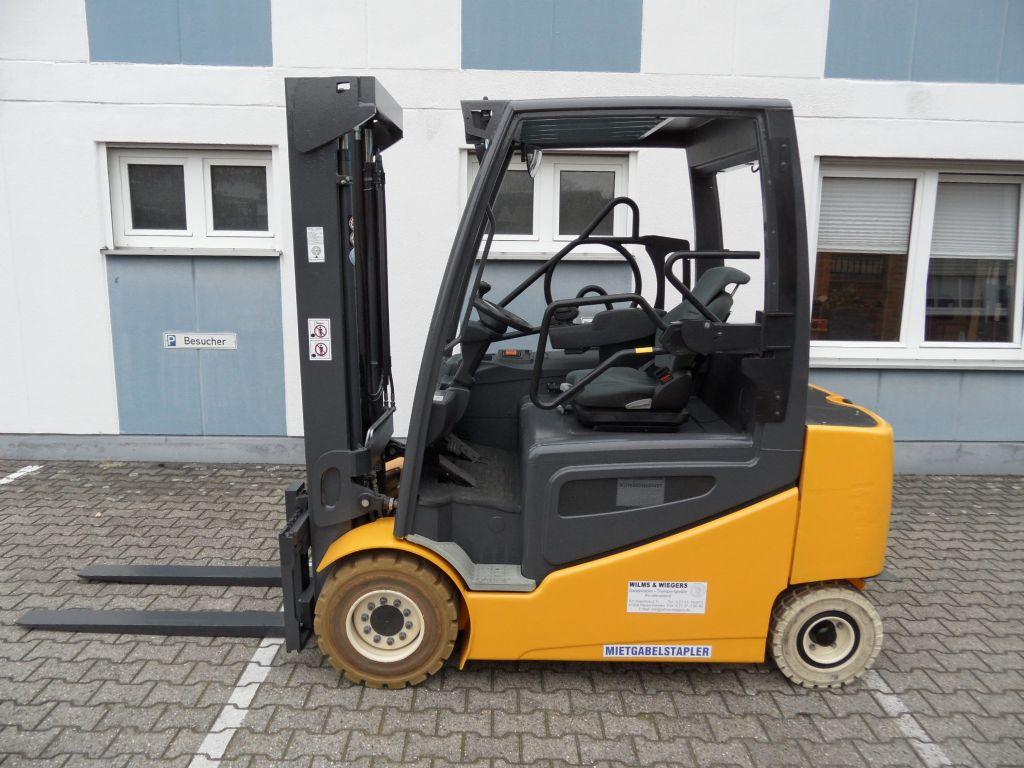 Jungheinrich-EFG 430 - weiße Reifen - Freihub-Elektro 4 Rad-Stapler-www.wilms-wiegers.de
