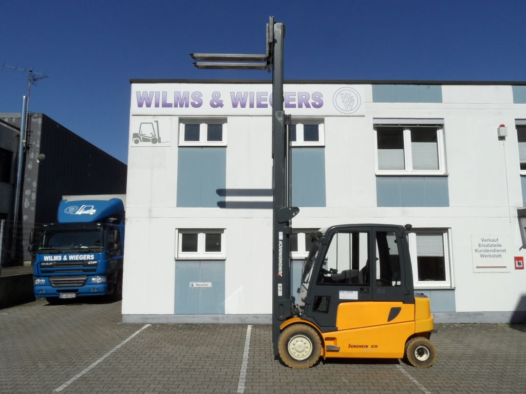 Jungheinrich-EFG 540 - Triplex - Kabine-Elektro 4 Rad-Stapler-www.wilms-wiegers.de