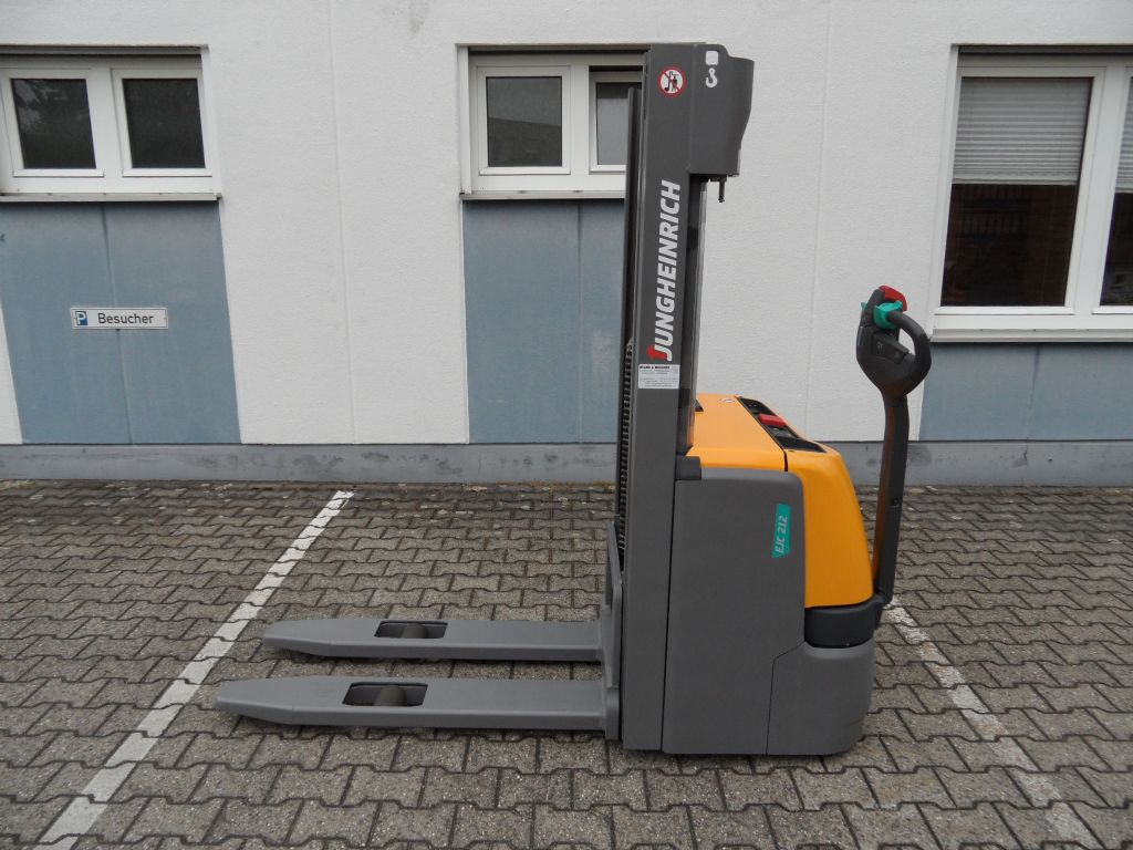 Jungheinrich-EJC 212 - 2016 - 300 Std. - Triplex-Deichselstapler-www.wilms-wiegers.de