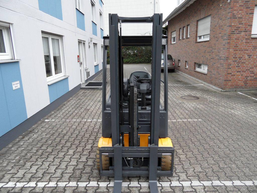 Jungheinrich-EFG 220 - Freihub-Elektro 3 Rad-Stapler-www.wilms-wiegers.de