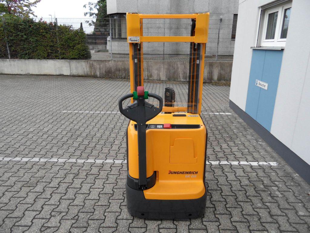 Jungheinrich-EJC 212 - Triplex - wenig Stunden-Deichselstapler-www.wilms-wiegers.de