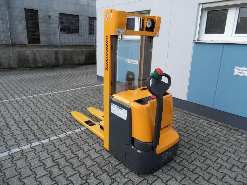 Jungheinrich-EJC 214 - 1350 mm Gabeln - Triplex-Deichselstapler-www.wilms-wiegers.de