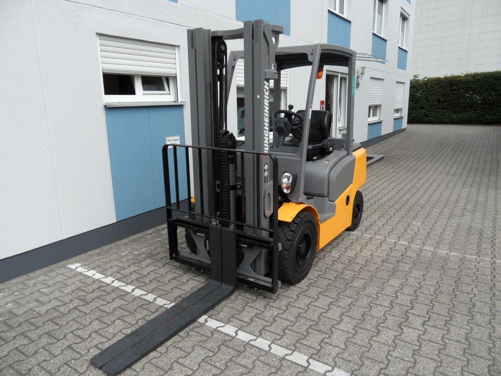Jungheinrich-DFG 425 - Triplex-Dieselstapler-www.wilms-wiegers.de