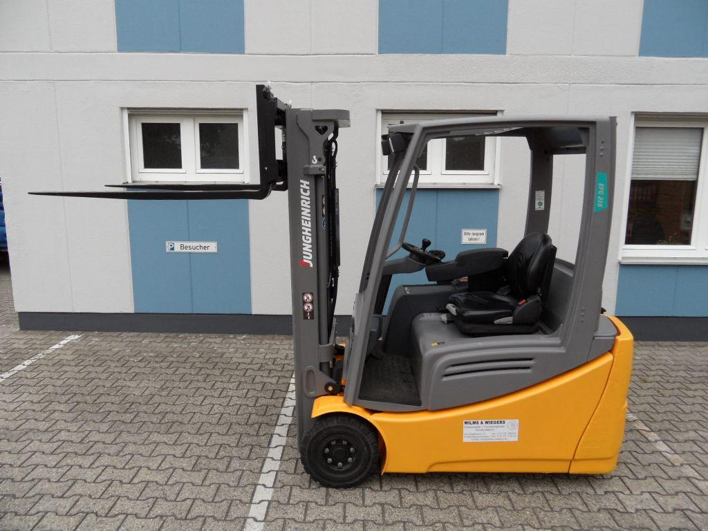 Jungheinrich-EFG 216 - wenig Stunden - Freihub -Elektro 3 Rad-Stapler-www.wilms-wiegers.de