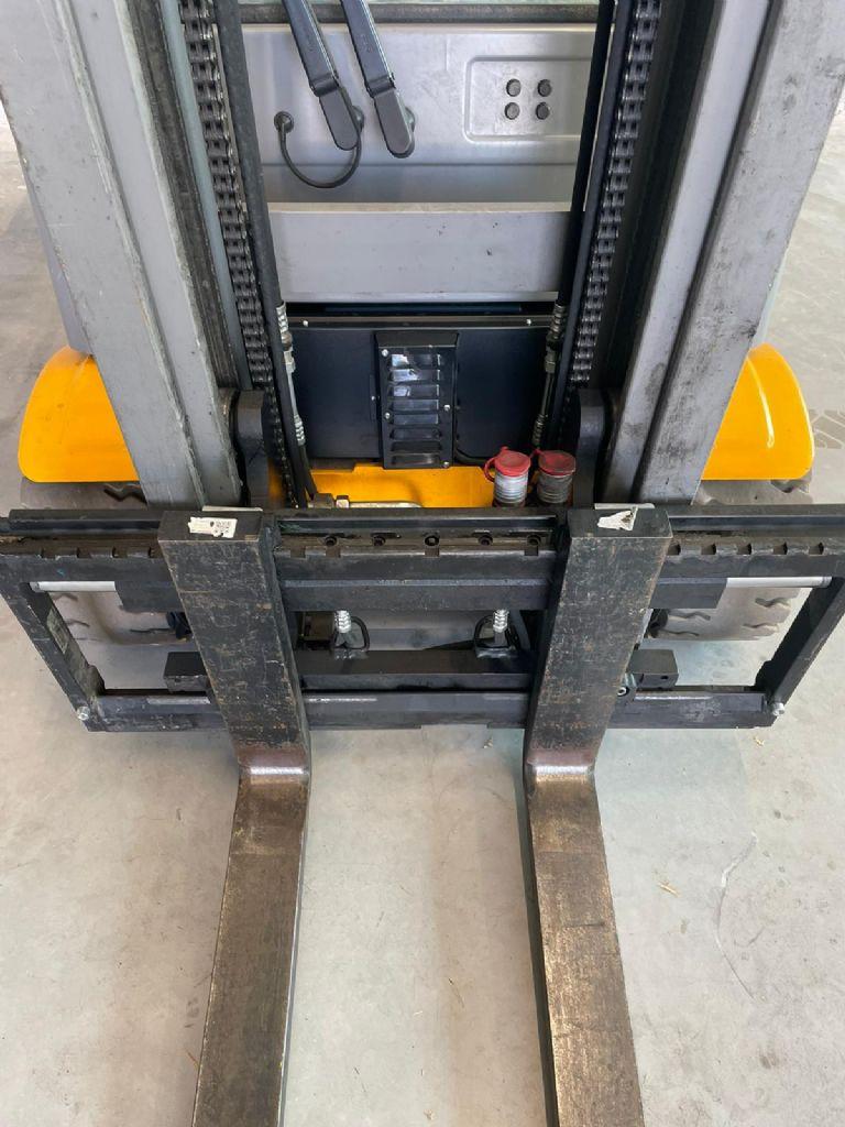 Jungheinrich EFG220 Elektro 3 Rad-Stapler www.wst-stapler.at