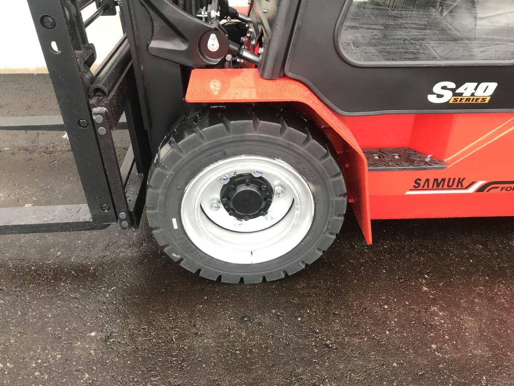 Samuk FD40-T3WV Dieselstapler www.wst-stapler.at
