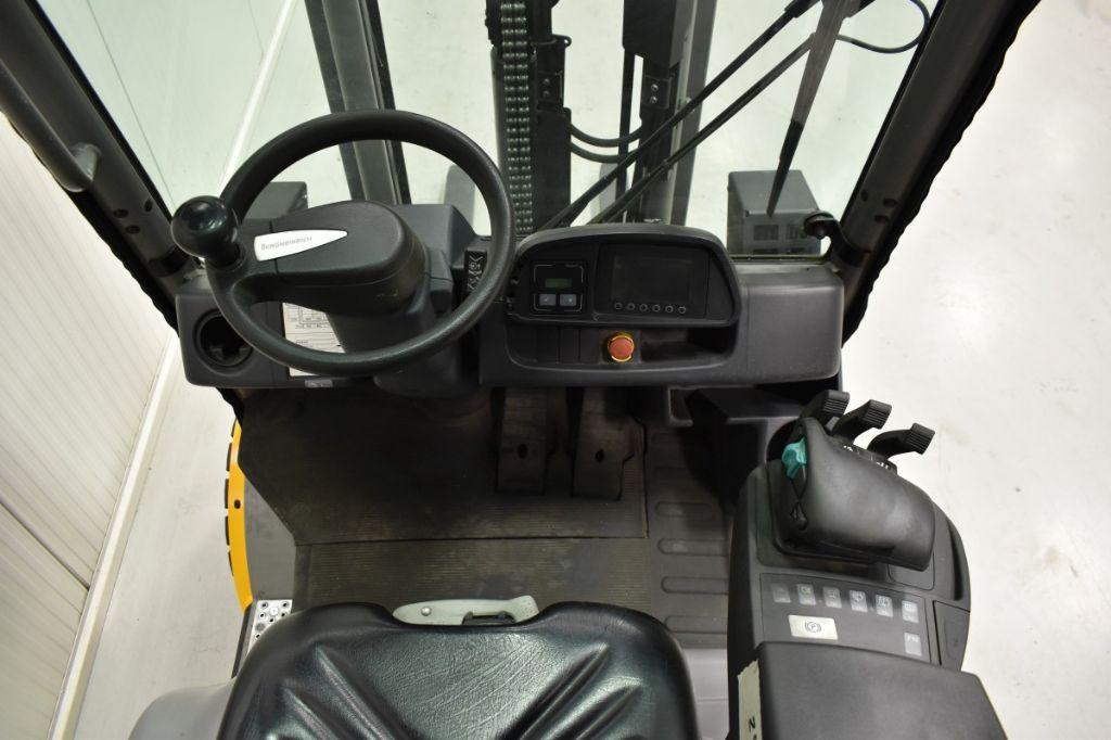 Jungheinrich TFG 316S Treibgasstapler www.wst-stapler.at