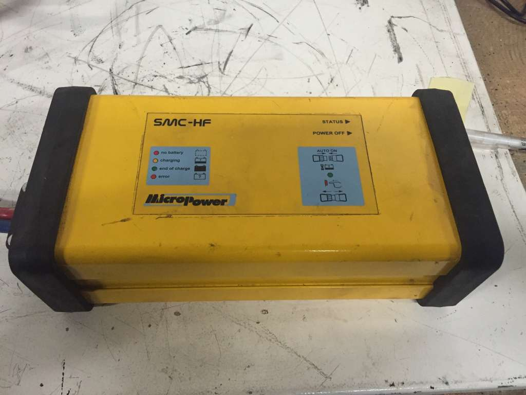 MicroPower SMC-HF 24/60 Charger www.wtrading.nl