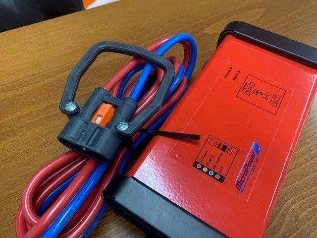 *Sonstige MicroPower SMC-HF 24/45 Ladegerät www.wtrading.nl