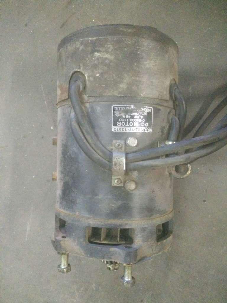 Komatsu 3BA-17-13510 Motor www.wtrading.nl