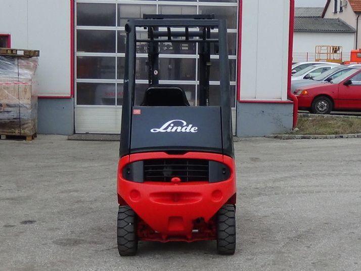 Linde-H16D-03-Dieselstapler www.zeiss-forkliftcenter.at