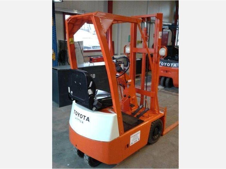 Toyota-FB5-Elektro 3 Rad-Stapler www.zeiss-forkliftcenter.at
