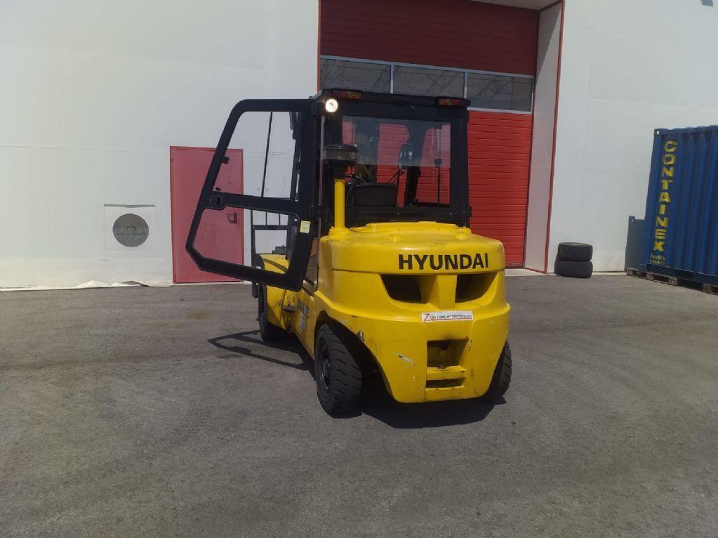 Hyundai-45DS-7E-Dieselstapler www.zeiss-forkliftcenter.at
