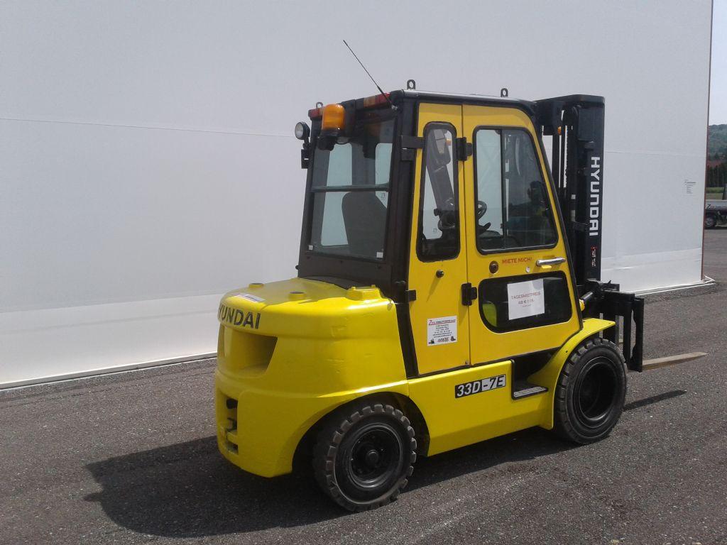 Hyundai-33D-7E-Dieselstapler www.zeiss-forkliftcenter.at