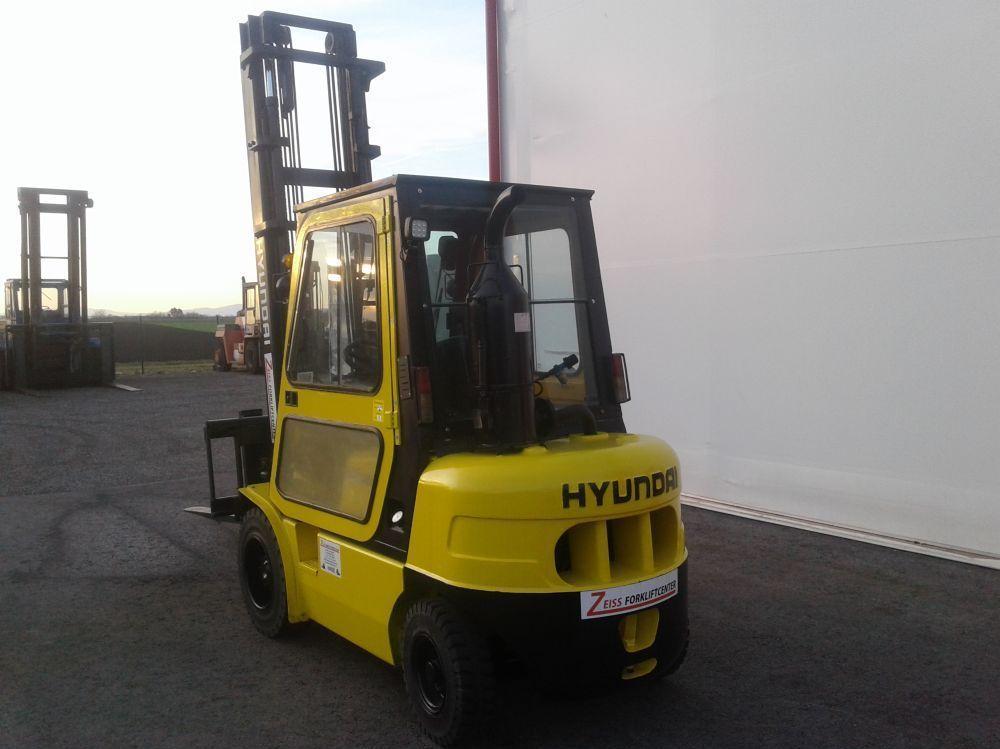Hyundai-HDF30-5-Dieselstapler www.zeiss-forkliftcenter.at