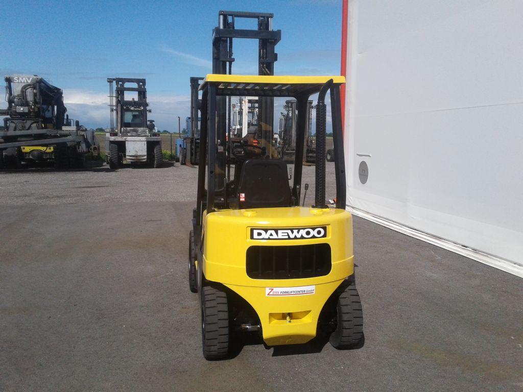 Daewoo-D20S-2-Dieselstapler www.zeiss-forkliftcenter.at