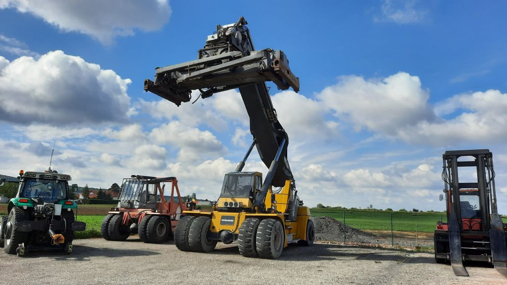 SMV-SC4531-CA5-Vollcontainer Reachstacker www.zeiss-forkliftcenter.at
