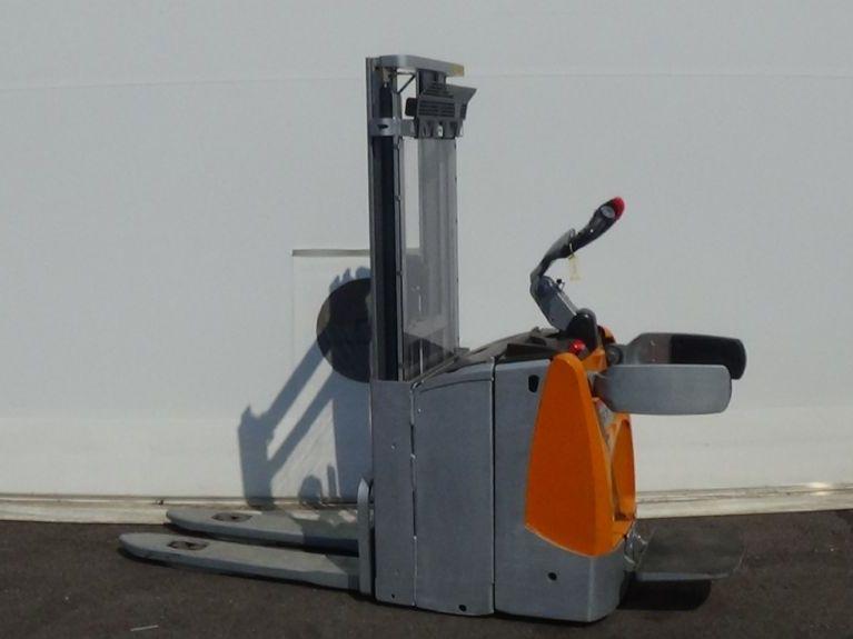 Still-EXD-SF20-Deichselstapler www.zeiss-forkliftcenter.at